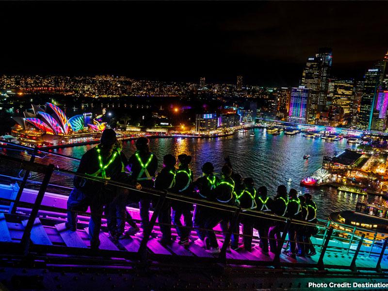 Sydney - Bridge Climb Vivid Festival