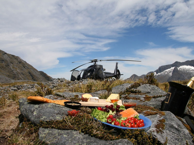 Queenstown, Picnic on a  peak