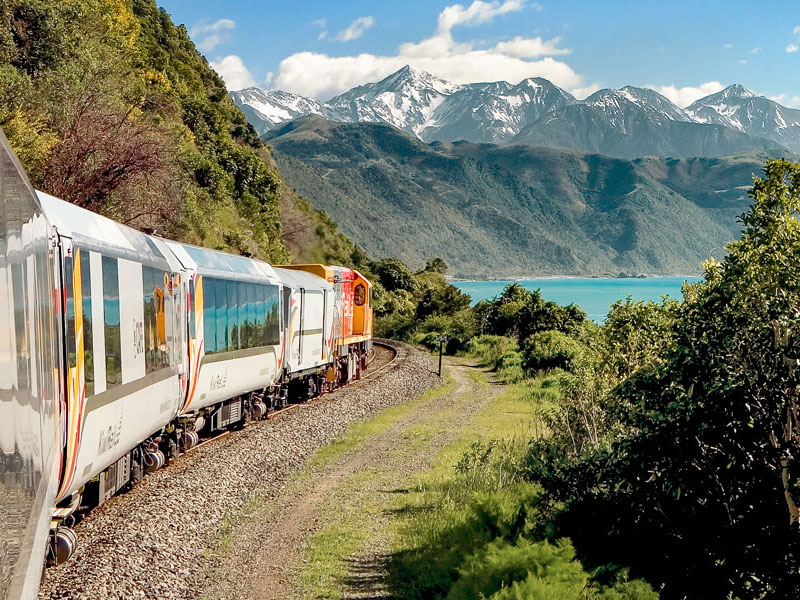 Coastal Pacific Travel between Blenheim & Christchurch