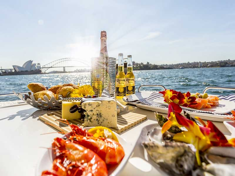 Sydney Private Harbour Cruise with Lunch