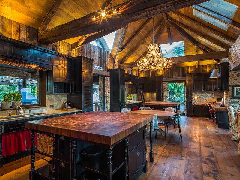 Mahu Whenua - Farmhouse Kitchen