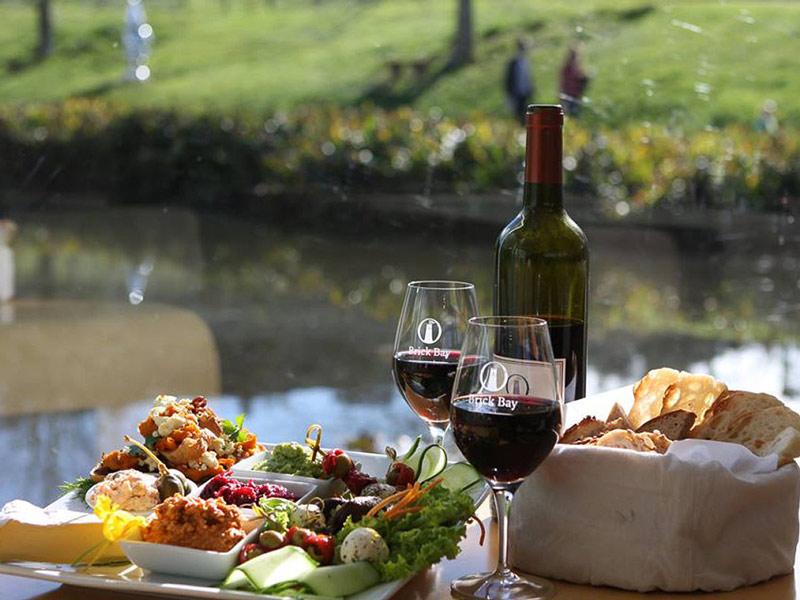 Gourmet Food & Wine Tour Waiheke Island