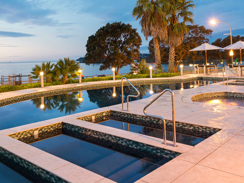 Paihia Beach Resort & Spa - Poolside