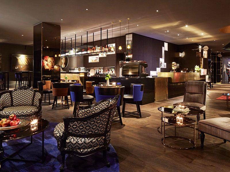 QT Wellington - Lounge