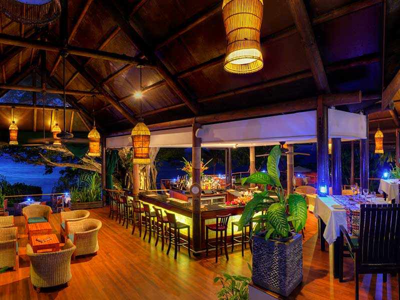 Royal Davui Island Resort - Bar