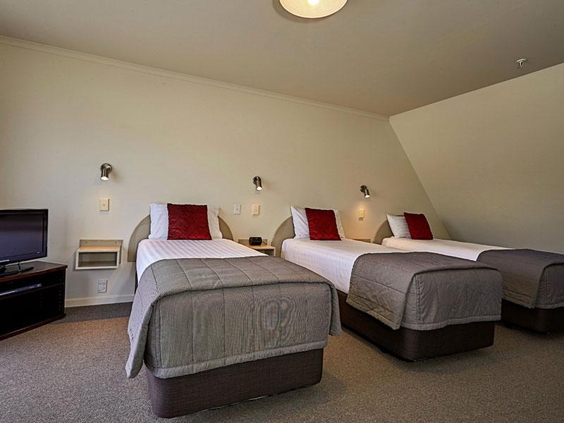 White Morph Motor Inn - Family Apartment
